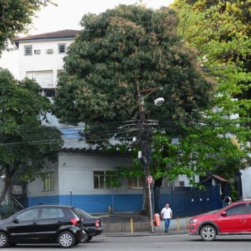 PM da UPP Jacaré é agredido e roubado por traficantes de comunidade da Baixada