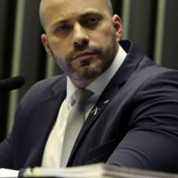 Deputado do PSL testa positivo para coronavírus após afirmar que a doença 'idiotiza as pessoas'