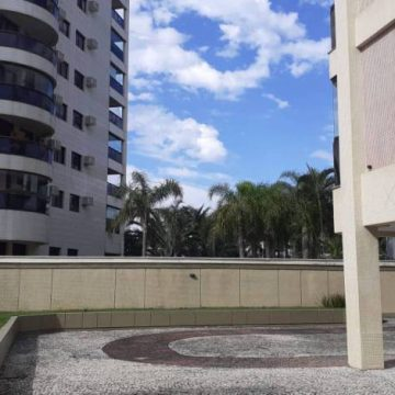 Homem é preso após matar a mãe espancada na Barra da Tijuca