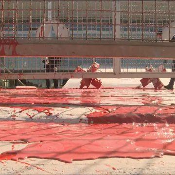 Palácio do Planalto é alvo de vandalismo com tinta vermelha