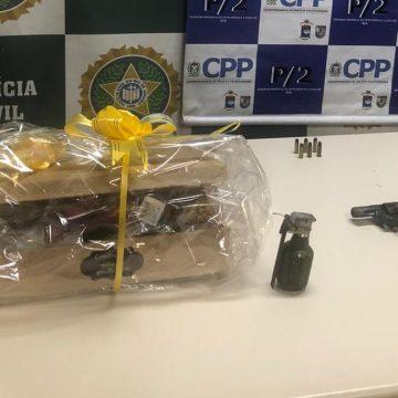 Suspeito é preso no Rio disfarçado de entregador de presentes para o Dia dos Namorados