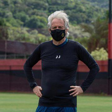 Junho ou nada: à espera da volta do futebol, Flamengo mantém paciência por Jorge Jesus
