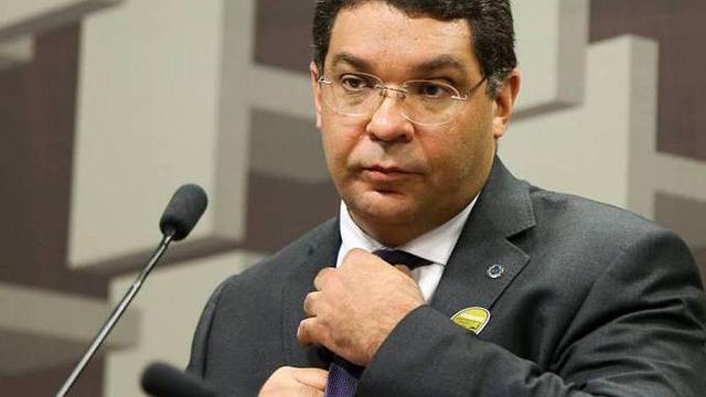 Mansueto diz que não há risco de descontrole das contas públicas enquanto Guedes for ministro
