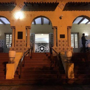 Com dois candidatos confirmados e seguindo protocolo, Botafogo não projeta atraso na eleição