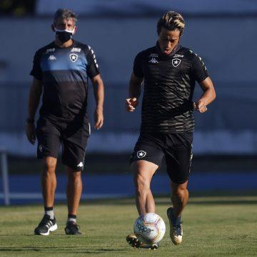 Com elenco em forma física desigual, Botafogo tenta remontar time para volta do Carioca