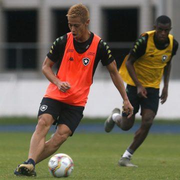 Contrário à volta dos treinos, Botafogo tem mais uma semana decisiva fora de campo