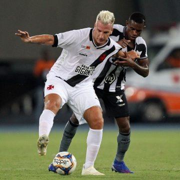 """Marcelo Benevenuto acusa Maxi López de racismo em Botafogo x Vasco de 2019: """"Preto de m..."""""""