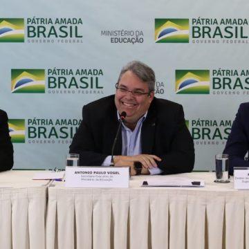 Antonio Paulo Vogel de Medeiros: saiba quem é o ministro interino da Educação