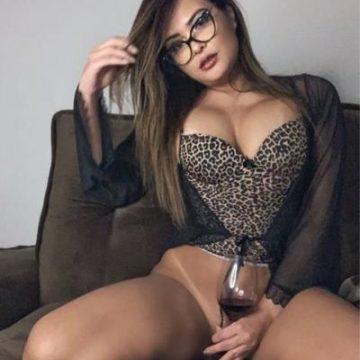 Geisy Arruda posta foto sem calcinha e confirma live 'proibidona'