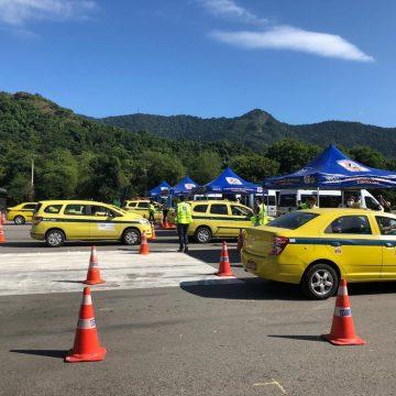Rio vai fazer teste de coronavírus em 5 mil taxistas com sistema drive-thru no Sambódromo