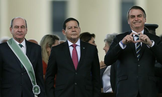 TCU decide contar quantos militares têm no governo Bolsonaro