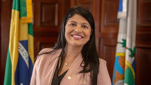 Deputada do PSL nomeia empregada doméstica como assessora parlamentar na Alerj