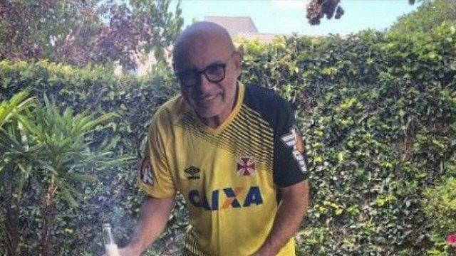 Ex-assessor de Flávio Bolsonaro tinha rotina de festas e fartura na mansão de advogado em Atibaia