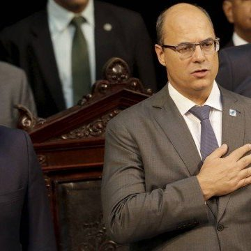 Vice de Wilson Witzel, Cláudio Castro ganha força na Alerj e reclama de fogo amigo