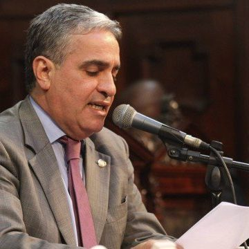 Na reunião de líderes, Assembleia avisa a Witzel que impeachment ganha força