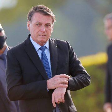 Forças Armadas não aceitam tentativas de tomada de poder, diz Bolsonaro ao comentar decisão de Fux