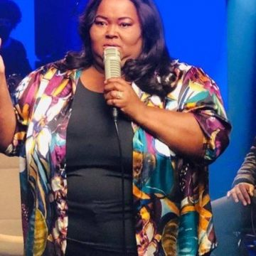 Morre Fabiana Anastácio, cantora gospel, aos 45 anos, de covid-19
