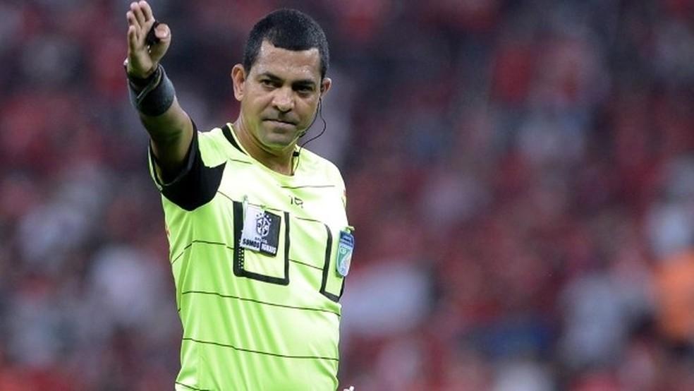Fluminense x Flamengo: Wagner do Nascimento Magalhães será o árbitro do 1º jogo da final do Carioca