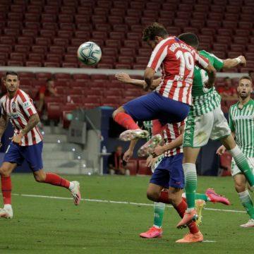 Atlético de Madrid vence o Bétis com gol de Diego Costa e garante vaga na Champions