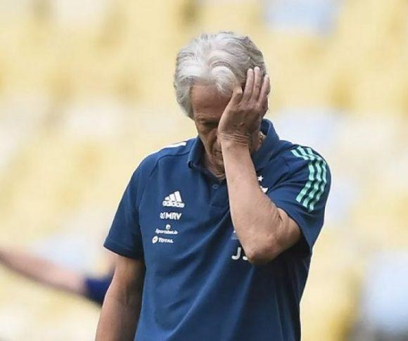 Em silêncio no Ninho e em entrevistas, Jorge Jesus tem futuro em jogo no Flamengo