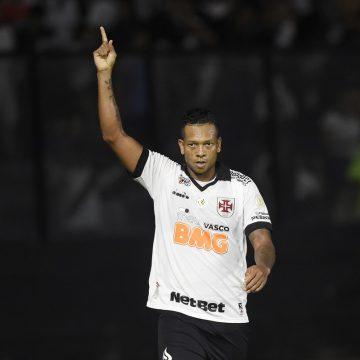 Autorizado pela direção, Guarín não treina novamente e tem futuro incerto no Vasco