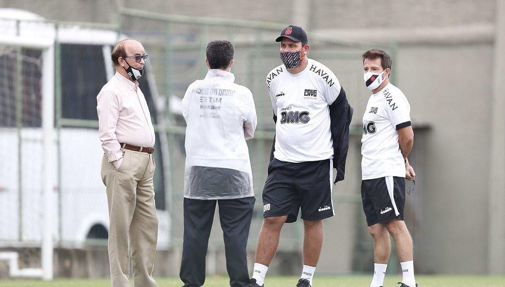 Vasco ganha fôlego após acordo salarial com elenco e busca de dois a três reforços para o Brasileiro