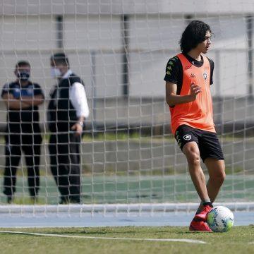 """Evolução física de Matheus Nascimento surpreende Botafogo: """"Números expressivos"""""""