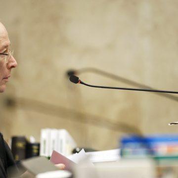 Celso de Mello envia ao plenário do STF a ação sobre o foro de Flávio Bolsonaro