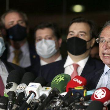 Guedes apresenta proposta de reforma tributária com fusão de impostos federais