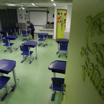 Sindicato dos Professores desmente Crivella e diz que não concordou com volta das aulas presenciais nas escolas particulares