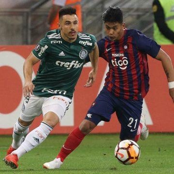 Vasco procura investidor para abrir negociação por lateral-esquerdo da seleção paraguaia