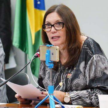 Após deixar vice-liderança, Bia Kicis diz manter apoio a Bolsonaro