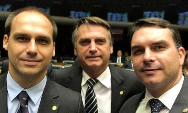 Facebook derruba rede de páginas coordenada por funcionários da Presidência e dos gabinetes de Flávio e Eduardo Bolsonaro