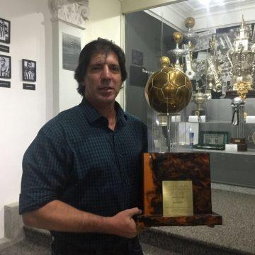"""Gottardo lembra """"jogadores do Vasco constrangidos"""" no bi carioca de 1990 do Botafogo"""