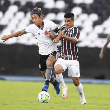 Honda toma as rédeas no meio do Botafogo, mas falhas no ataque são lição para o Brasileirão
