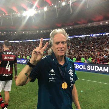 Jorge Jesus tem primeira conversa com Landim sobre oferta do Benfica e indica permanência no Flamengo