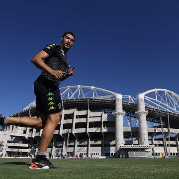 Negociações à parte, Autuori inclui Marcinho nos planos do Botafogo para o Brasileirão