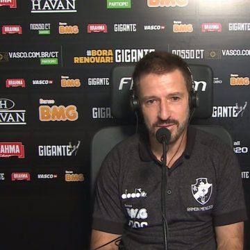 """Ramon cita disputa por vagas no Vasco, explica opções e diz contar Raul: """"Espero que ele resolva e continue conosco"""""""
