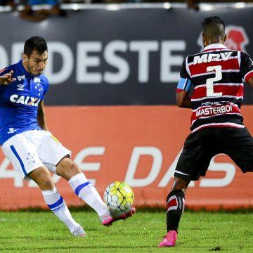 Vasco demonstra interesse em lateral-esquerdo Sanchez Miño; Independiente quer US$ 1,5 milhão