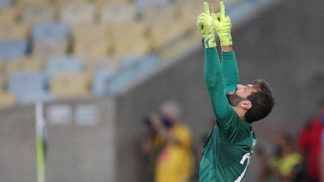 Fluminense bate Flamengo nos pênaltis e conquista a Taça Rio; Carioca será decidido em duas partidas