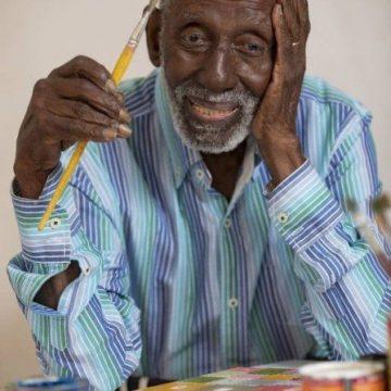 Isolado devido à pandemia do novo coronavírus, Nelson Sargento ganhará várias homenagens por seus 96 anos