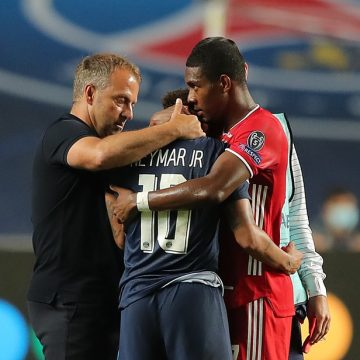 Neymar chora com derrota para o Bayern e perda do título do PSG na Liga dos Campeões