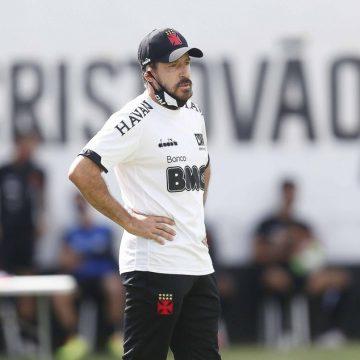 """Ramon explica ausências e elogia atuação do Vasco: """"Time aguerrido e com prazer de jogar"""""""
