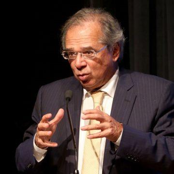 Desembargador suspende investigações contra Paulo Guedes na Justiça Federal