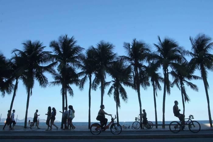 Crivella divulga informações sobre aplicativo que vai demarcar lugares nas praias