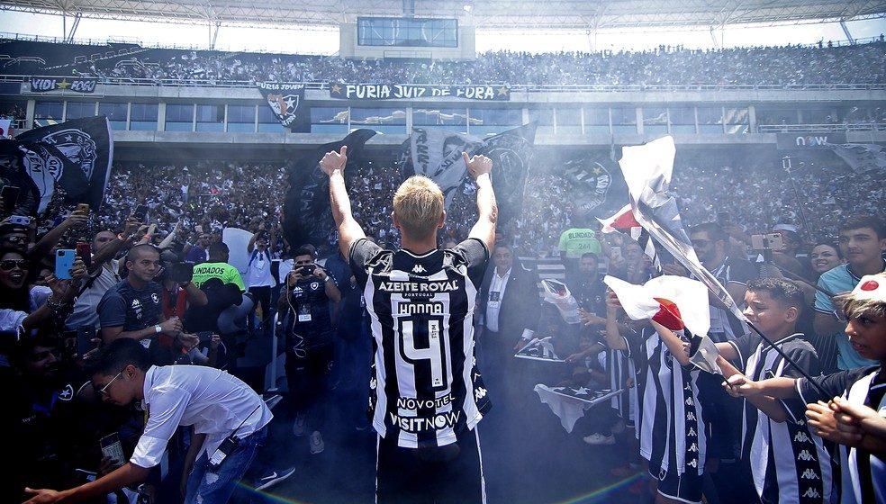 Chegada aglomerada, jogos vazios e ensinamentos: os seis meses de Honda no Botafogo até agora