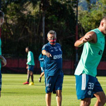 Hora da prática: em semana de aprendizado e boa impressão, Dome finaliza preparação para estreia no Flamengo