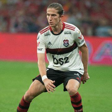Inspirados em Filipe Luís e em nome de amigo vítima no Ninho, jovens assinam primeiro contrato com o Flamengo