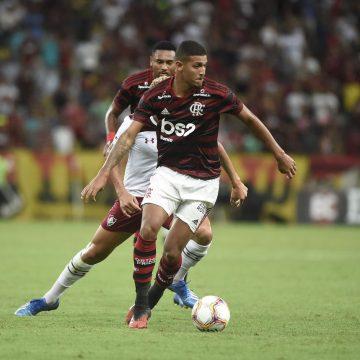Grupo City faz proposta e caminha para contratar Vinicius Souza, do Flamengo