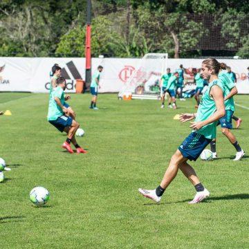 Filipe Luís é liberado para voltar ao Flamengo contra o Galo; Rafinha segue em avaliação